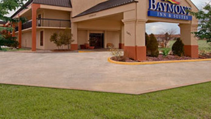 Exterior view BAYMONT SUITES TOPEKA