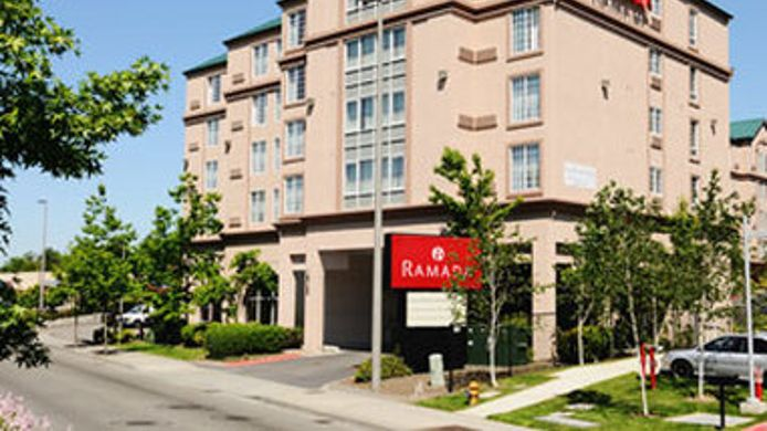 Exterior view RAMADA SEATAC AIRPORT