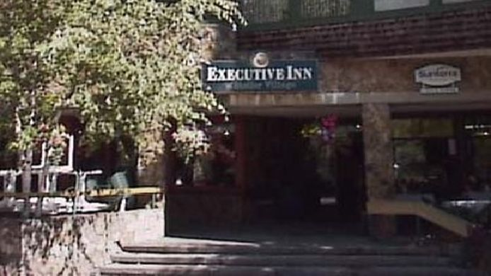 Buitenaanzicht EXECUTIVE INN WHISTLER