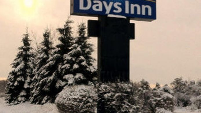 Buitenaanzicht DAYS INN BROCKVILLE