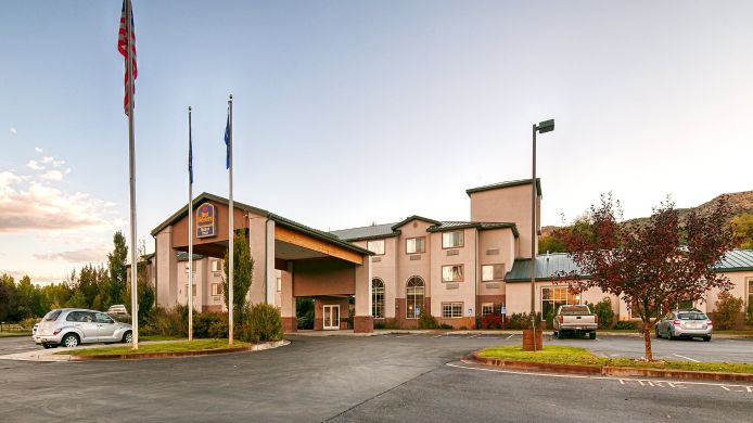 Exterior view BEST WESTERN HOLIDAY HILLS