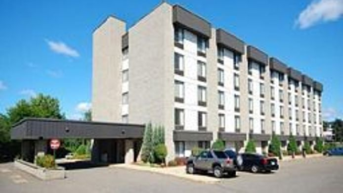 Buitenaanzicht Holiday Inn Express & Suites MILFORD