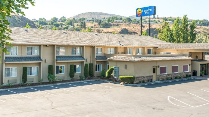 Exterior view Comfort Inn Columbia Gorge