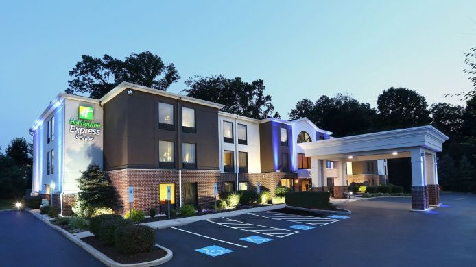 Buitenaanzicht Holiday Inn Express & Suites WEST CHESTER