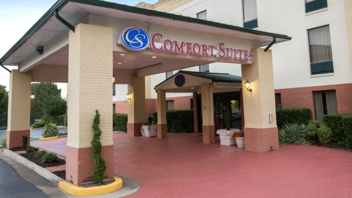 Exterior view Comfort Suites Cumming