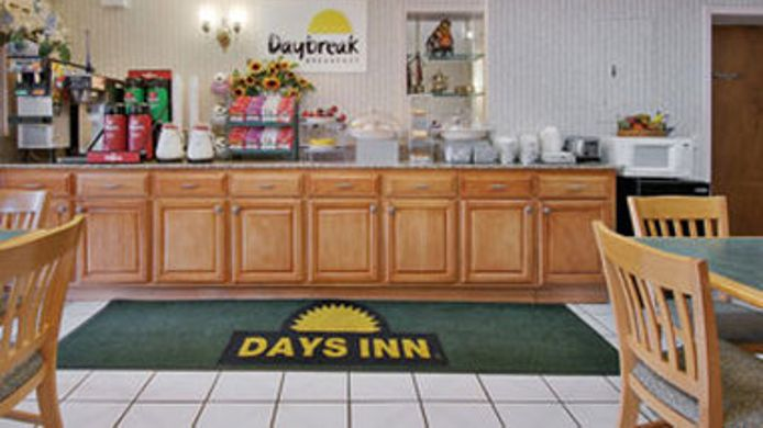 Buitenaanzicht DAYS INN CARTERSVILLE