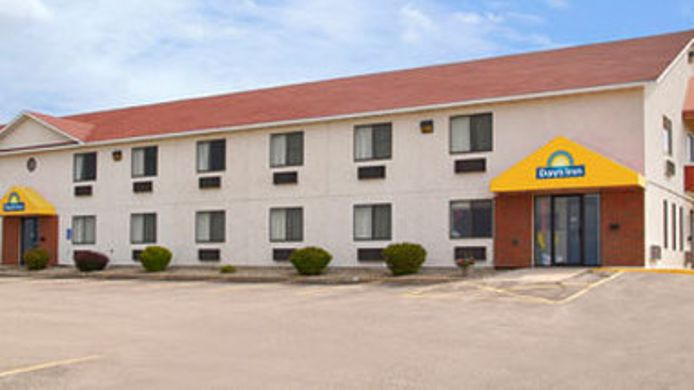 Exterior view DAYS INN YANKTON