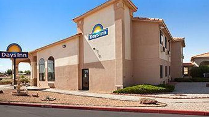 Exterior view DAYS INN LOS LUNAS