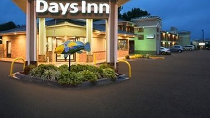 Exterior view DAYS INN WELDON ROANOKE RAPIDS