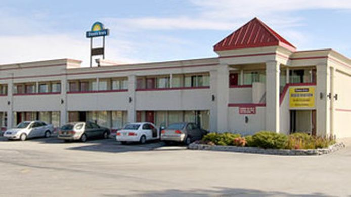 Exterior view DAYS INN - MT. STERLING