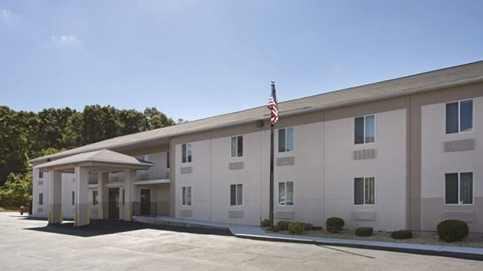 Exterior view Quality Inn Milford