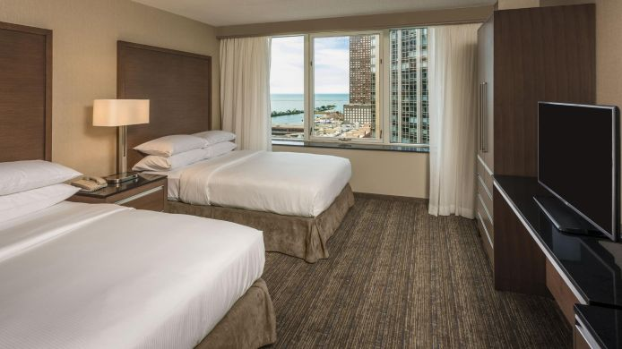 Buitenaanzicht Embassy Suites by Hilton Chicago Magnificent Mile