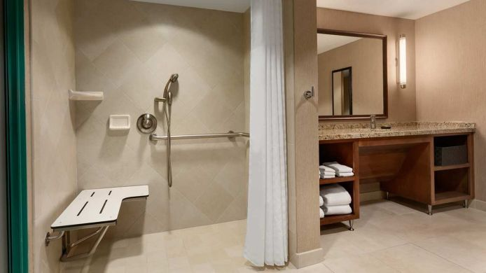 Kamers Embassy Suites by Hilton Los Angeles Int*l Airport South