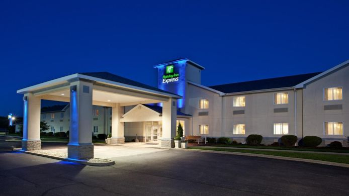 Exterior view Holiday Inn Express CLEVELAND-VERMILION