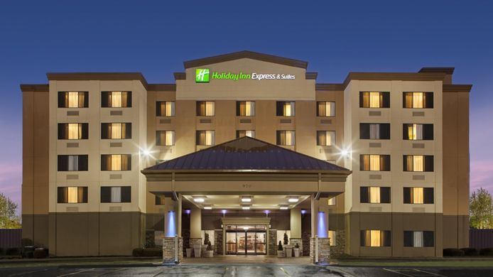 Buitenaanzicht Holiday Inn Express & Suites CORALVILLE