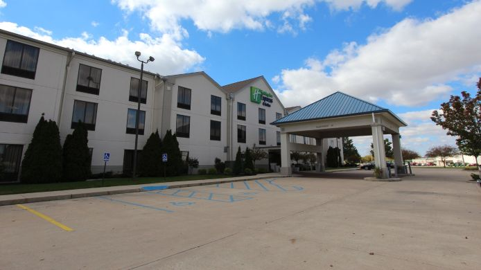 Exterior view Holiday Inn Express & Suites FINDLAY
