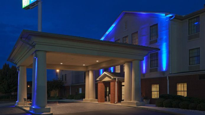 Exterior view Holiday Inn Express & Suites FULTONDALE