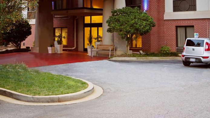 Buitenaanzicht Holiday Inn Express & Suites GREENVILLE-DOWNTOWN