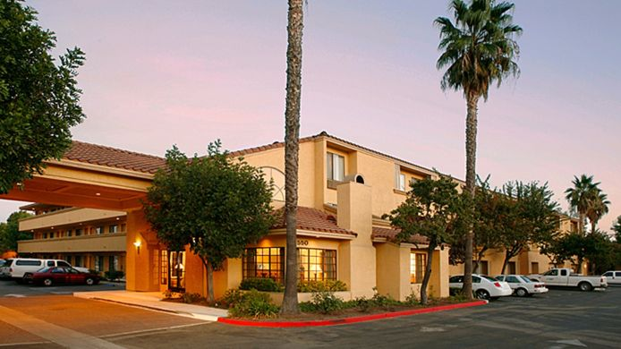 Exterior view Holiday Inn Express SIMI VALLEY