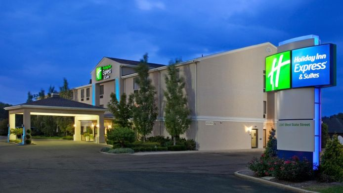 Buitenaanzicht Holiday Inn Express & Suites ALLIANCE
