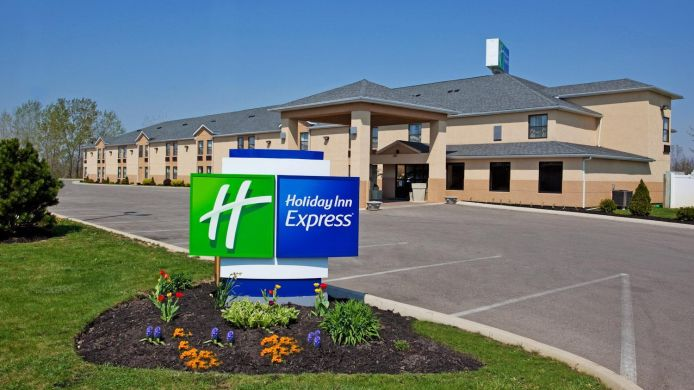 Exterior view Holiday Inn Express LONDON-I-70