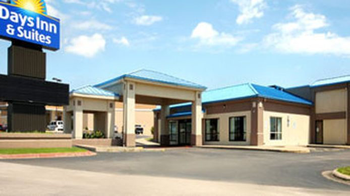 Exterior view Quality Inn & Suites Moline - Quad Cities