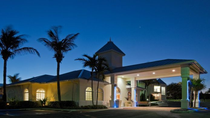 Exterior view Holiday Inn Express NORTH PALM BEACH-OCEANVIEW