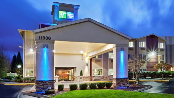 Exterior view Holiday Inn Express & Suites PORTLAND AIRPORT