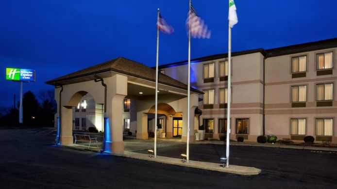 Exterior view Holiday Inn Express & Suites ST. CLAIRSVILLE