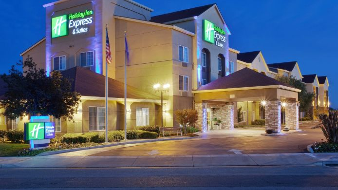Exterior view Holiday Inn Express & Suites OAKLAND-AIRPORT