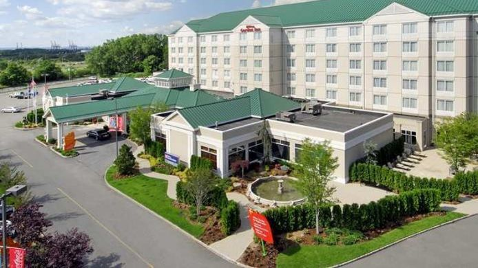 Hilton Garden Inn New York Staten Island 3 star hotel in Staten