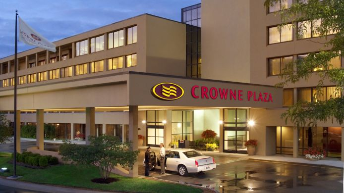 Exterior view Crowne Plaza INDIANAPOLIS-AIRPORT