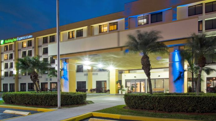 Buitenaanzicht Holiday Inn Express & Suites MIAMI-HIALEAH (MIAMI LAKES)