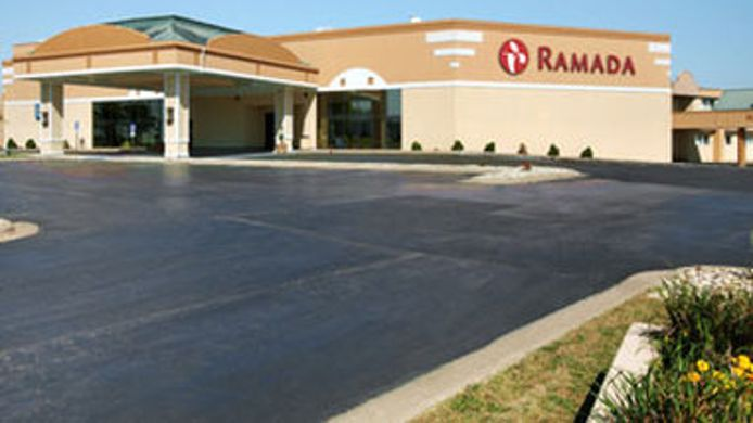 Buitenaanzicht Ramada Airport Conference Center Moline IL