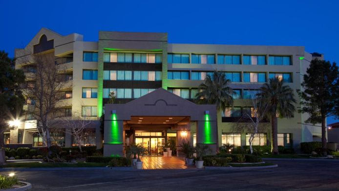 Exterior view Holiday Inn PALMDALE-LANCASTER