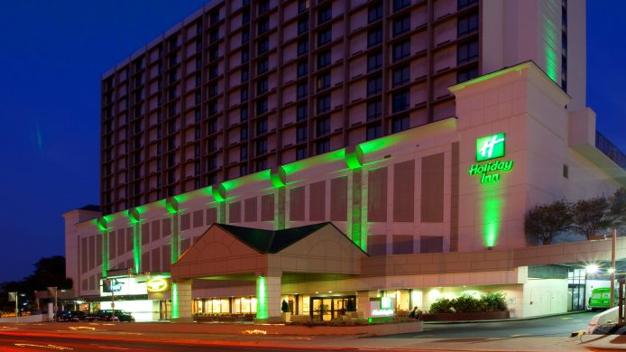 Buitenaanzicht Holiday Inn NATIONAL AIRPORT/CRYSTAL CITY
