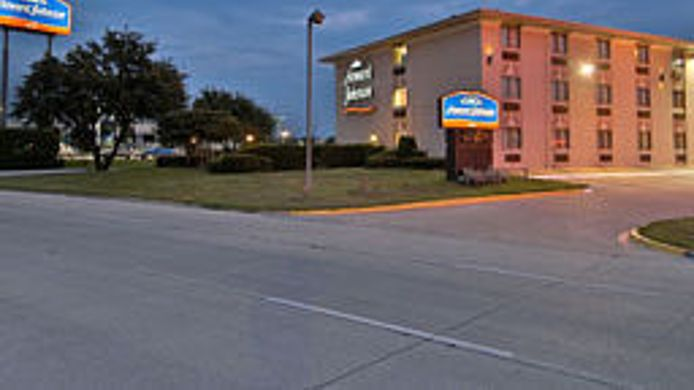 Exterior view Howard Johnson  Inn - Dallas
