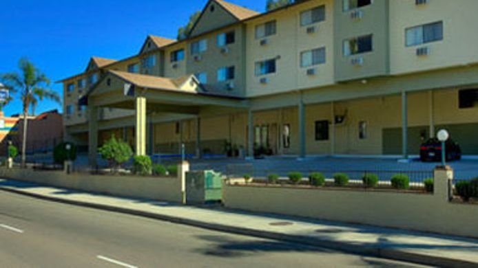 Exterior view TRAVELODGE LA MESA