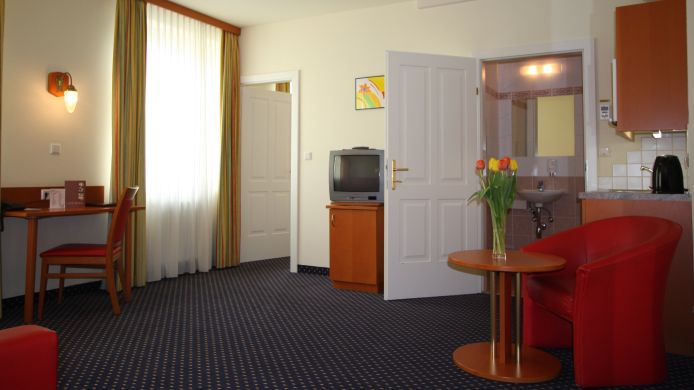 Four-bed room Suite Hotel 900m zur Oper
