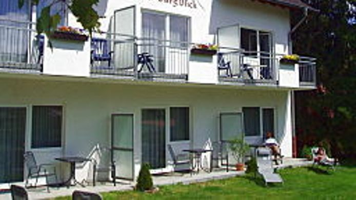 Exterior view Land-gut-Hotel BurgBlick