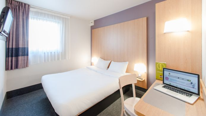 Double room (standard) B&B CHOLET CENTRE