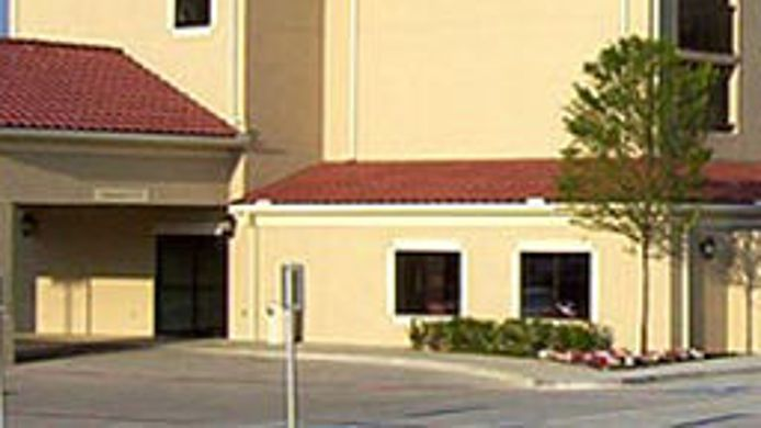 Exterior view Courtyard Fort Worth I-30 West Near NAS JRB