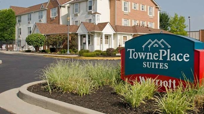 Exterior view TownePlace Suites Indianapolis Park 100