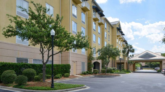 Exterior view SpringHill Suites Charleston Downtown/Riverview