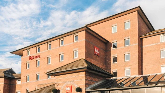 Exterior view Ibis Liverpool Centre Albert Dock – Liverpool One