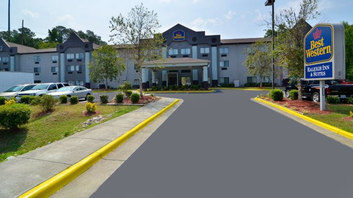 Buitenaanzicht Holiday Inn Express & Suites RALEIGH NE - MEDICAL CTR AREA