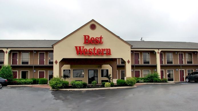 Exterior view BEST WESTERN CARRIAGE HOUSE INN STES