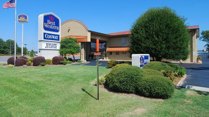 Exterior view BEST WESTERN CONWAY