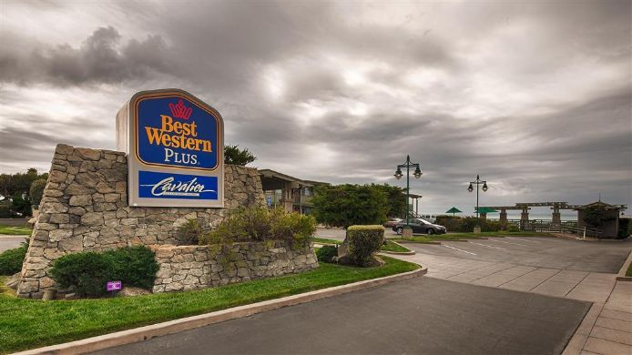 Exterior view BEST WESTERN PLUS CVLR OCNFRNT