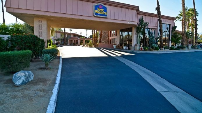 Exterior view BEST WESTERN DATE TREE HOTEL